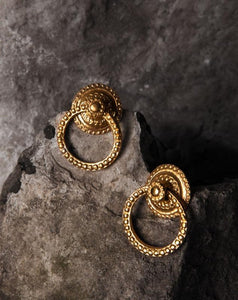 Baroque Grip earrings