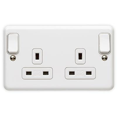 K3045WHI - 2 Gang 13A Double Pole Switch Socket Outlet with Outboard Rockers - White