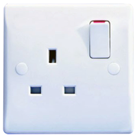 GU3010 Ultimate white moulded 1 gang 13A switched socket outlet