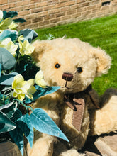 Load image into Gallery viewer, TEDDY BREEZY / DEAN'S MOHAIR LIMITED BEAR