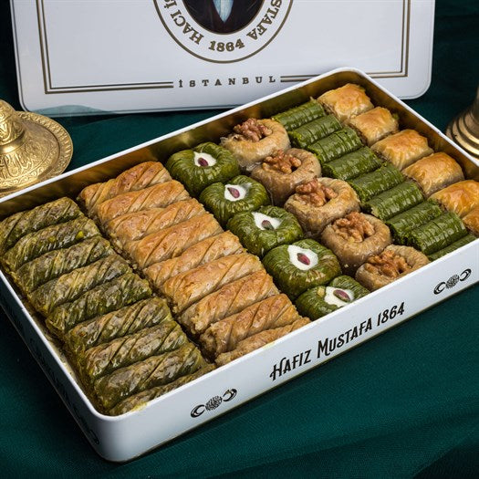 Assorted Baklava in Metal Gift Box 2.2kg (77.60oz) - TurkishTaste.com