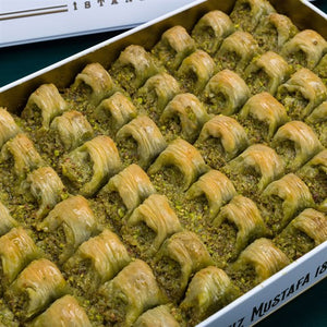 Cimcik Baklava with Pistachio in Metal Gift Box 2.1kg (76.19oz) - TurkishTaste.com