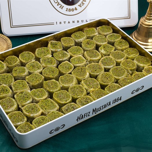Palace Baklava with Pistachio in Metal Gift Box 2kg (70.54oz) - TurkishTaste.com