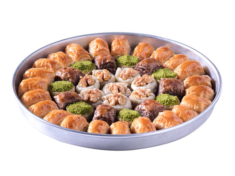 Special Tray Fresh Baklava with Walnuts