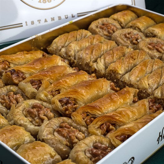 Assorted Walnut Baklava in Metal Gift Box 2kg (70.54oz) - TurkishTaste.com