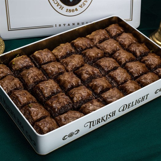 Baklava with Chocolate and Pistachio in Metal Gift Box 1.65kg (58.20oz) - TurkishTaste.com