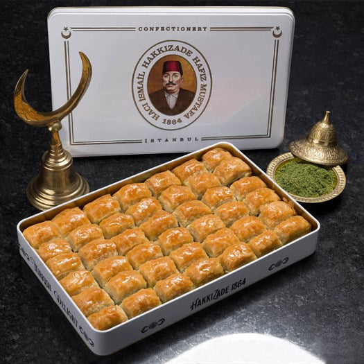 Fresh Classic Baklava with Pistachio in Metal Box 2kg (70.54oz) - TurkishTaste.com