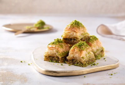 Fresh Long Lasting Baklava with Pistachio - Gift Box