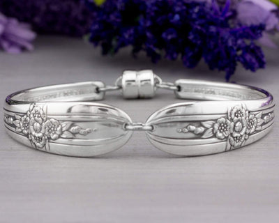 Silverware Bracelet - Unique Spoon Jewelry - Triumph 1941 Spoon Bracelet - Christmas Gift for Her - Mothers Jewelry