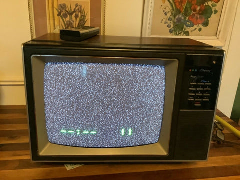 Vintage JCPenney Color Television TV set  1980'S Retro Accuscan Accu Scan remote