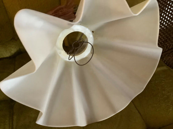 Vtg mid century modern clip mcm  Ruffled table Lamp Shade Skirt Lace plastic 2