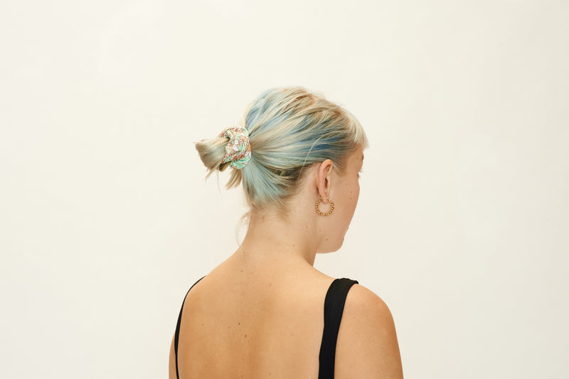 SCRUNCHIE - Flannel Flower