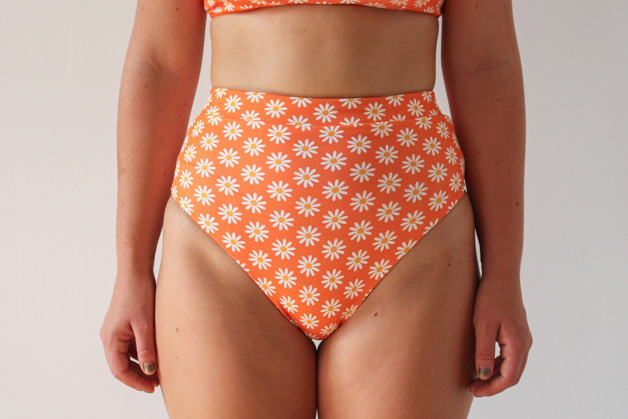 Cindy Bottoms - Orange Daisy