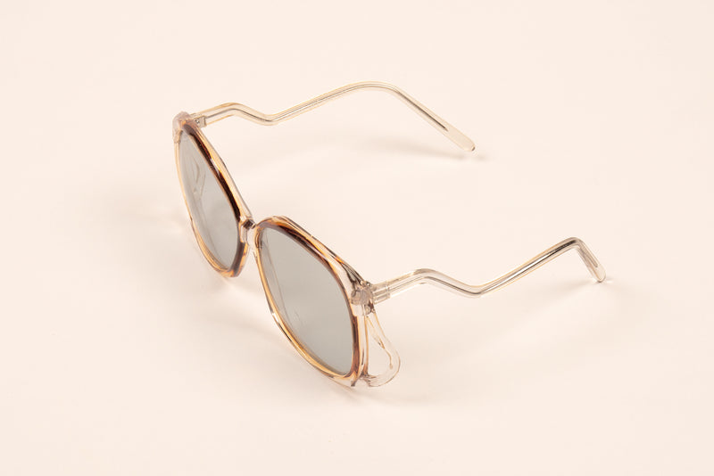 Oversized 70s Style Drop Arm Sunnies