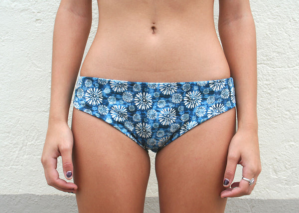 Lola Bottoms – Navy Dandelion