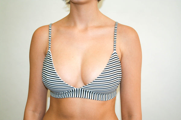 Reef Triangle Top – Black and Olive Stripe