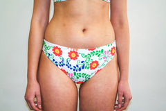 Jaki Bottoms – Folk Embroidery