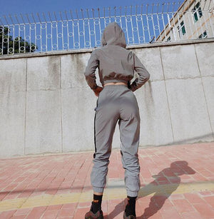 Women Fashion Streetwear Reflective Tracksuit 2 Piece Set Women Crop Top Summer Cool Hooded Top Cargo Pants Reflective