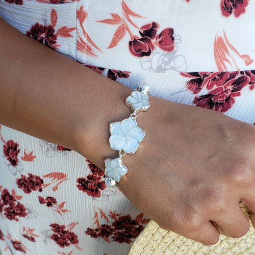White Mother of Pearl Hibiscus Bracelet with Freshwater Pearls