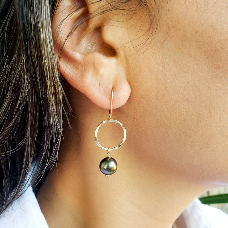 Round Gold Earrings with Peacock Tahitian Pearls
