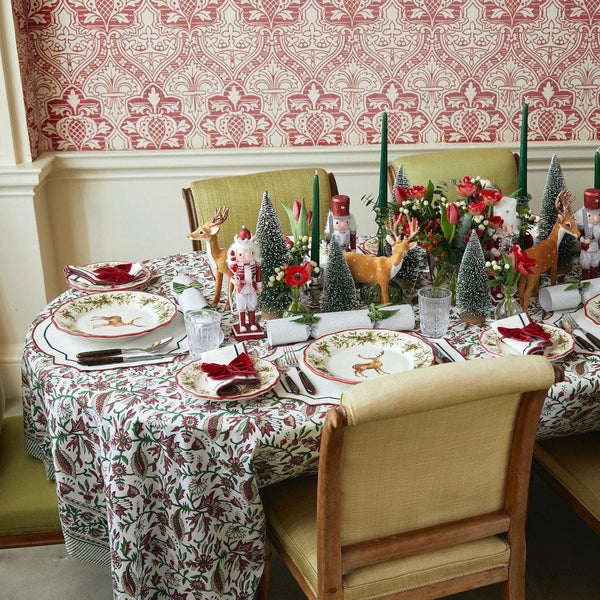 The Holly and Ivy Tablecloth