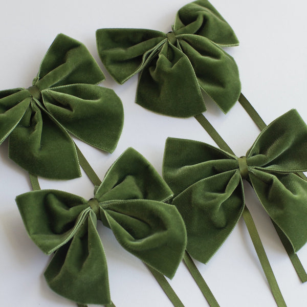 Green Velvet Napkin Ring Bows (Set of 4)