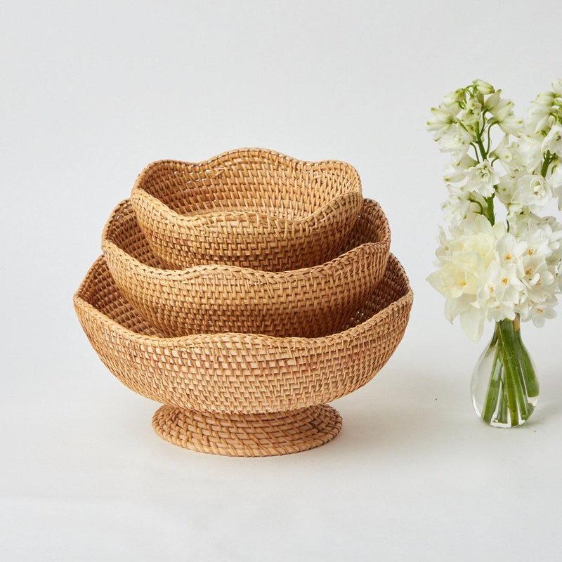 Brown Scalloped Rattan Bowl (Medium)