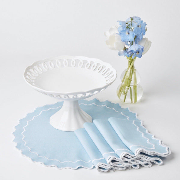 White Lace Serving Stand (Medium)