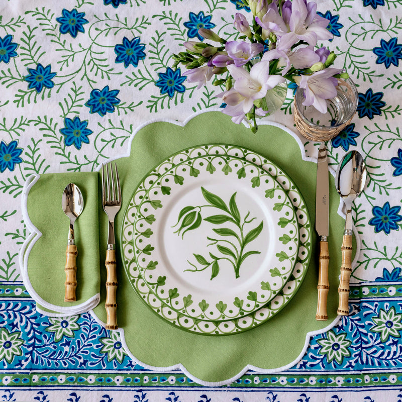 Scalloped Apple Green Placemats & Napkins (Set of 4)