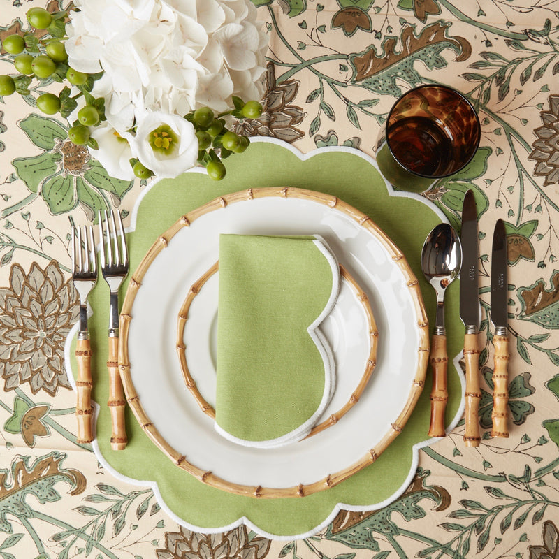Scalloped Apple Green Napkins (set of 4)