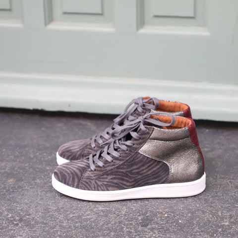 Esska Leather High Top Trainer - Zebra Grey