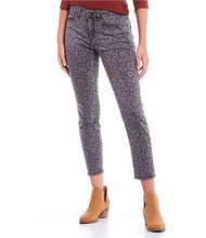 Load image into Gallery viewer, Miss Me Wild Style Skinny Jeans in Grey Leopard