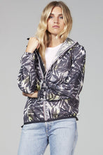 Load image into Gallery viewer, O8lifestyle Sloane Print - Palm Print Full Zip Packable Jacket