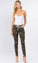 Load image into Gallery viewer, American Bazi Camo Jogger