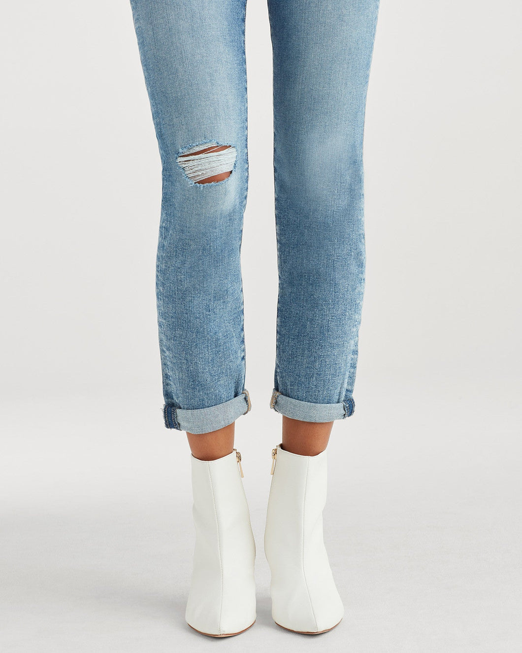 High Waist Josefina Skinny Boyfriend Jean with Busted Knee in Nolita