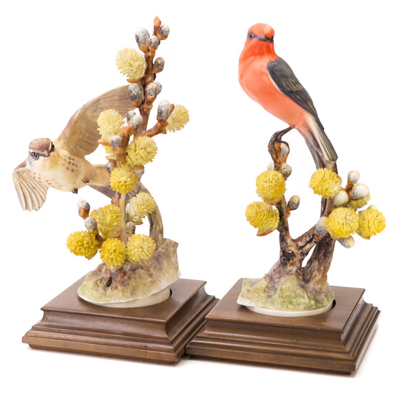 Vintage 1963 Dorothy Doughty Vermilion Flycatcher Hen And Cock Figurines