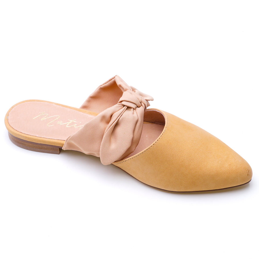Calle-Natural Flats Size 6.5