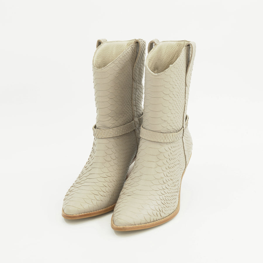 Fair Lady Ivory Boots