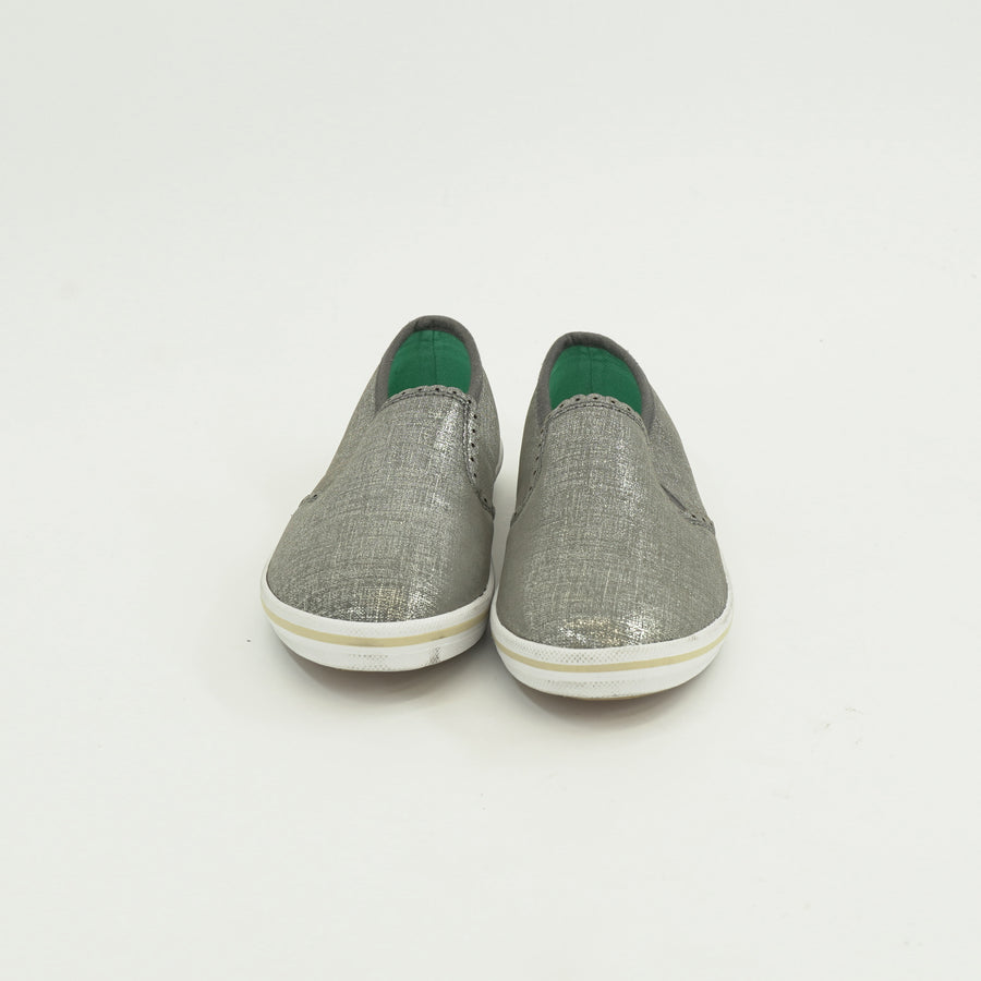 Olive Slip On Sneakers Size 5.5