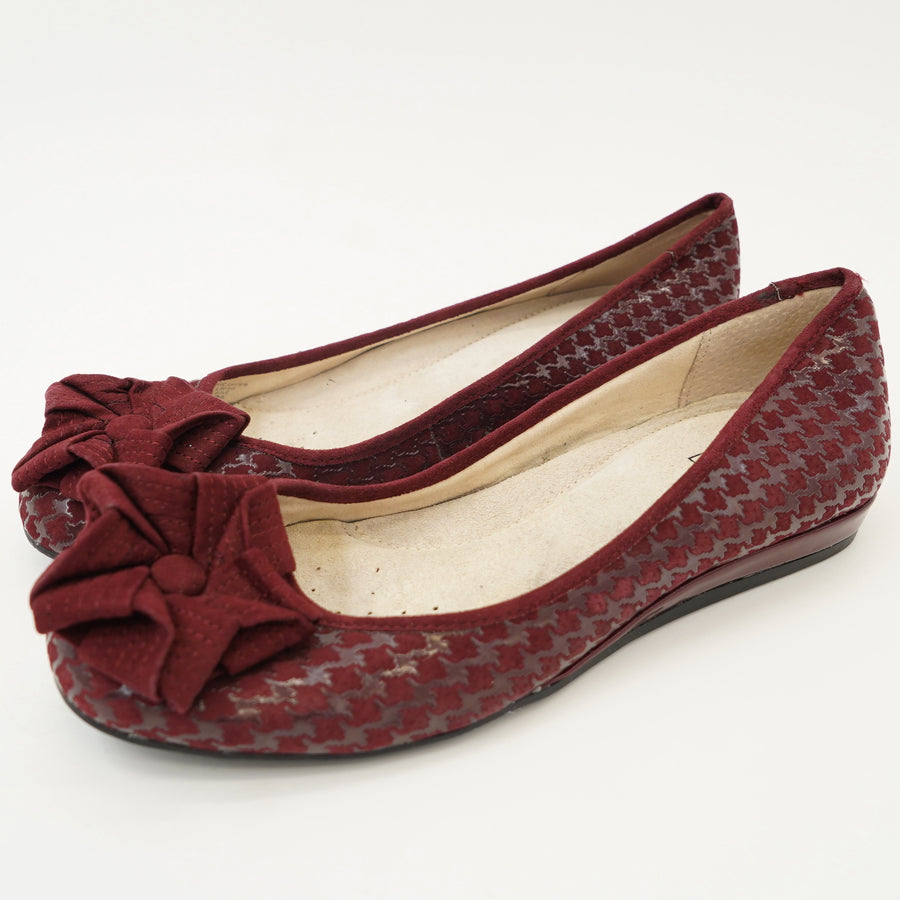 Red Houndstooth Flats Size 5.5