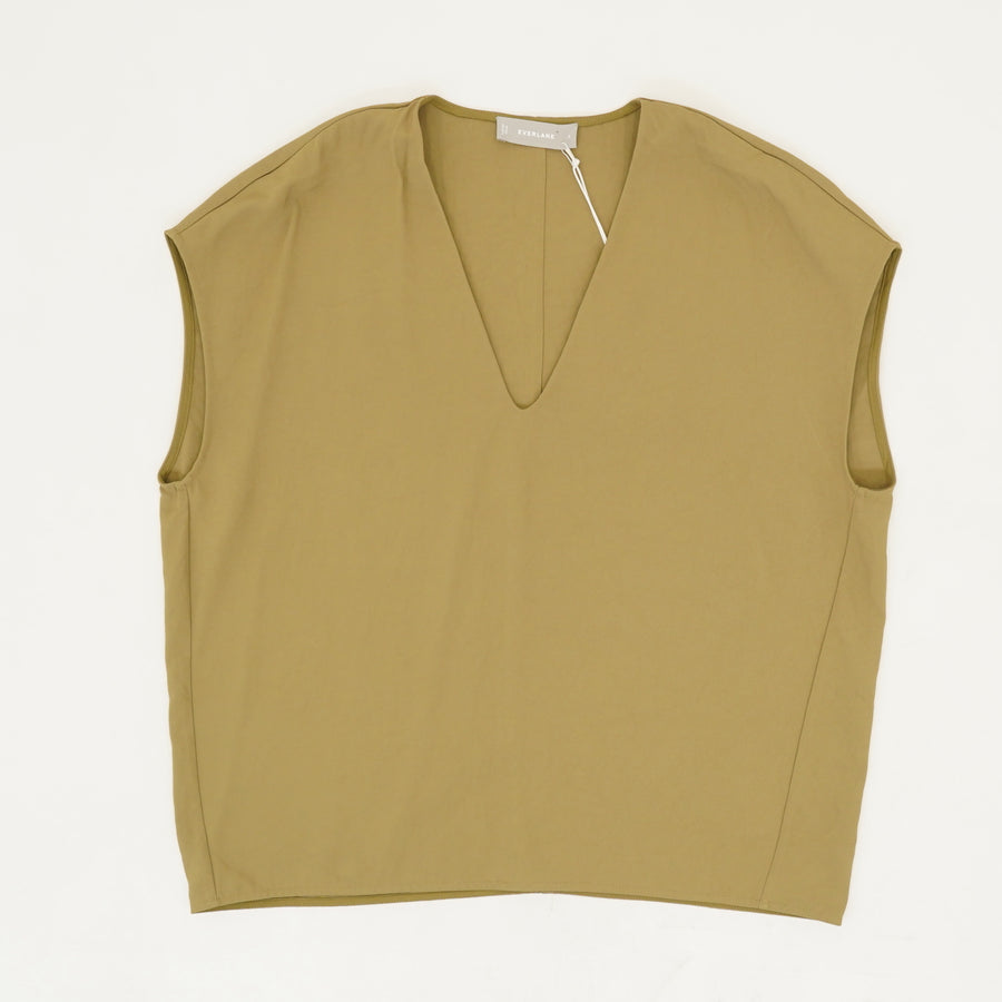 The Japanese GoWeave V-Neck Tee in Olive - Size 6