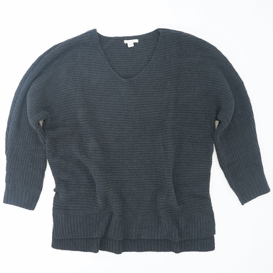 V-Neck Super Soft Knit Sweater Size M