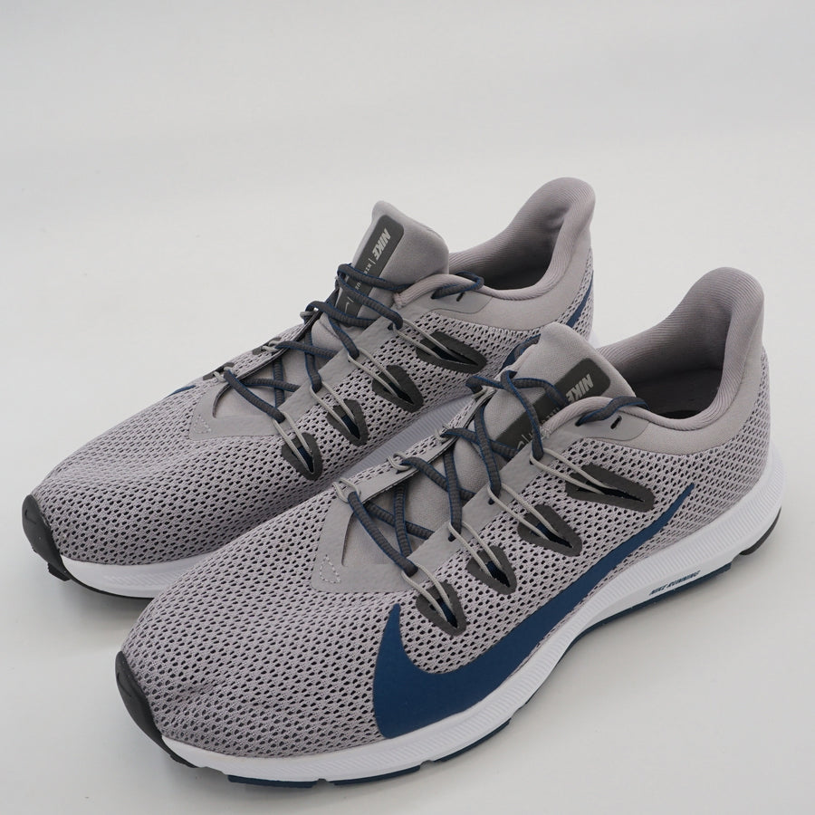 Quest 2 Running Shoe Size 9.5