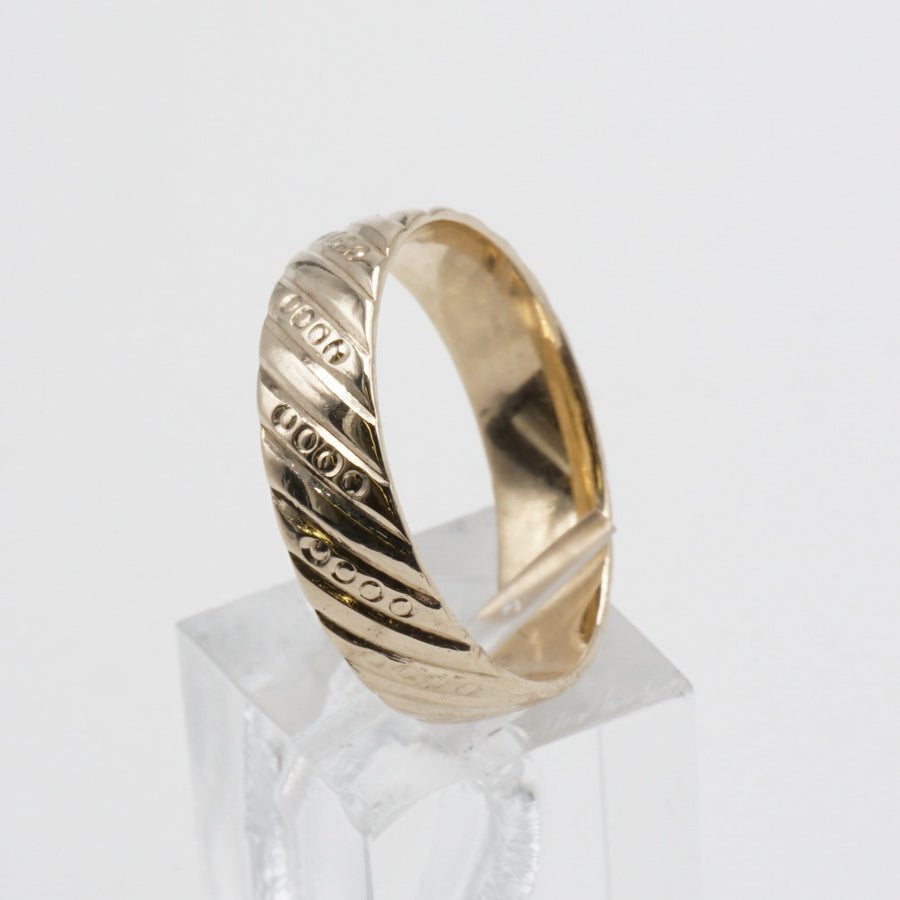 Gents Band Ring W/ Diagonal Lines