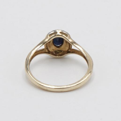 10K Yellow Gold Ring with Oval Sapphire Stone - Size 7