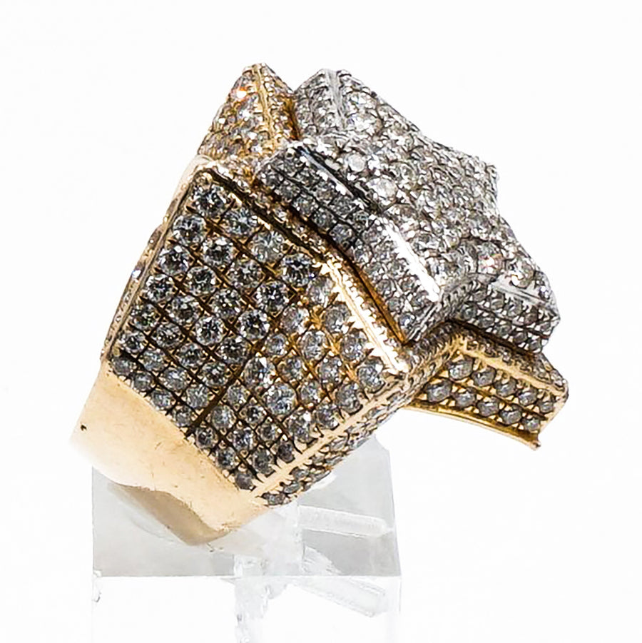 Two Tone Star Shaped Ring with Melee Diamond Pave Set - Size 5.5