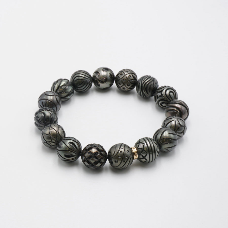 16 Carved Black Pearl Bracelet