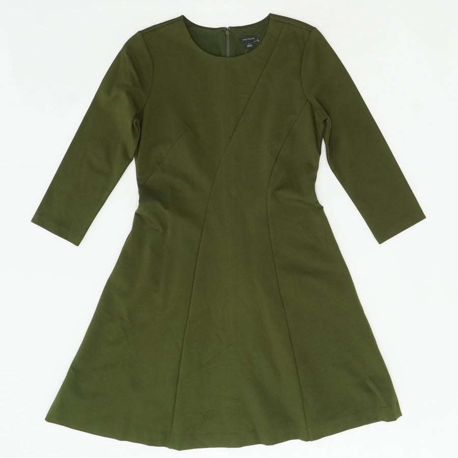 Green Solid 3/4 Sleeve Dress Size 6