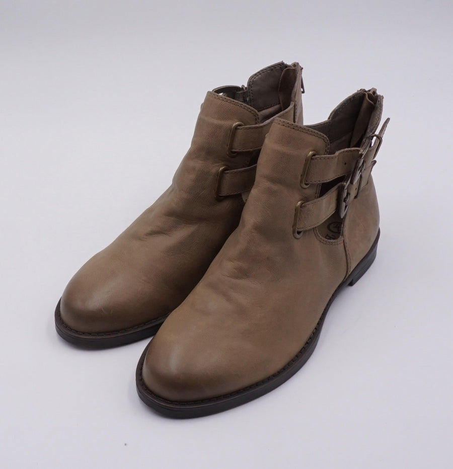Brown Leather Boots Size 6.5