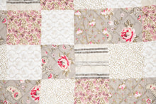 Load image into Gallery viewer, Aziza floral quilt